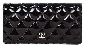 Chanel Chanel 2015 NEW Black Quilted Patent Leather Yen Open Wallet