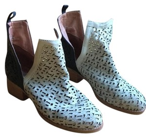 Jeffrey Campbell Black and white Boots