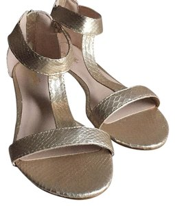 Sergio Bari Gold Sandals