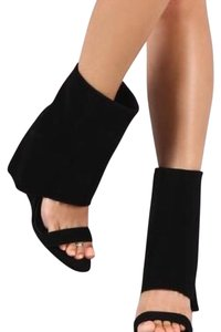 Cape Robbin Black Wedges