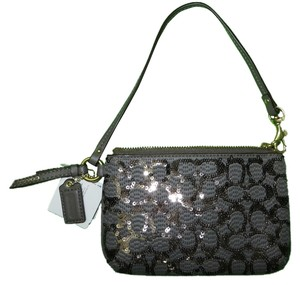 Coach Coach POPPY SEQUIN SIGNATURE C SMALL WRISTLET Coach SMALL WRISTLET (ship via Priority Mail)