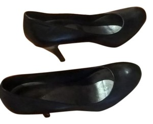 Franco Sarto Leather Black Pumps