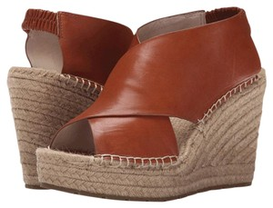 Kenneth Cole Tan Wedges