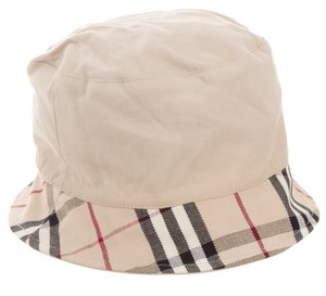 Burberry Beige Burberry House Check plaid bucket at