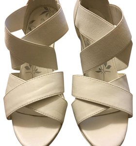 Other White Wedges