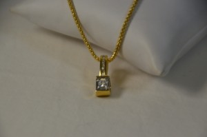 0.75ct. Genuine Round Diamond Necklace 18