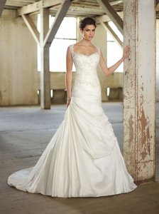 Essense Of Australia Dj1383 Wedding Dress