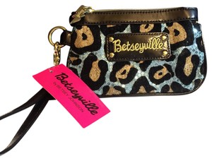 Betseyville Wristlet in Blue