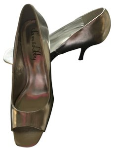 Sam & Libby Silver Pumps