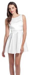 Guess By Marciano Little White Party Elegant Dress
