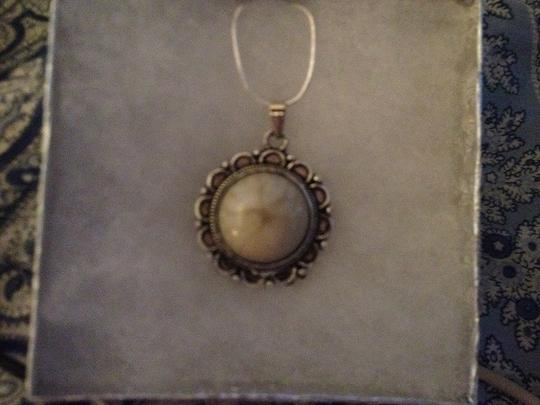 """Penny's Sterling Silver 18"""" Snake Necklace with a Silver Filled White Agate Pendant. 2.2 gms."""