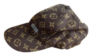 Louis Vuitton Louis Vuitton Baseball Cap! Hard to find cd2c56eaea2