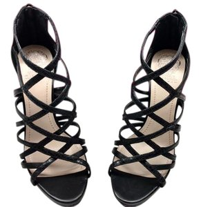 Vince Camuto Black & Tan Sandals