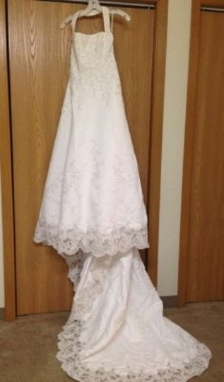 David's Bridal White Satin V8377 Wedding Dress Size 8 (M)