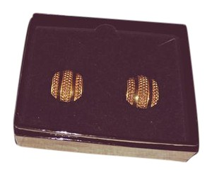 Joan Rivers Golden shimmer button earnings