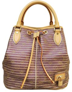 Louis Vuitton Tote Shoulder Satchel in Metallic plum