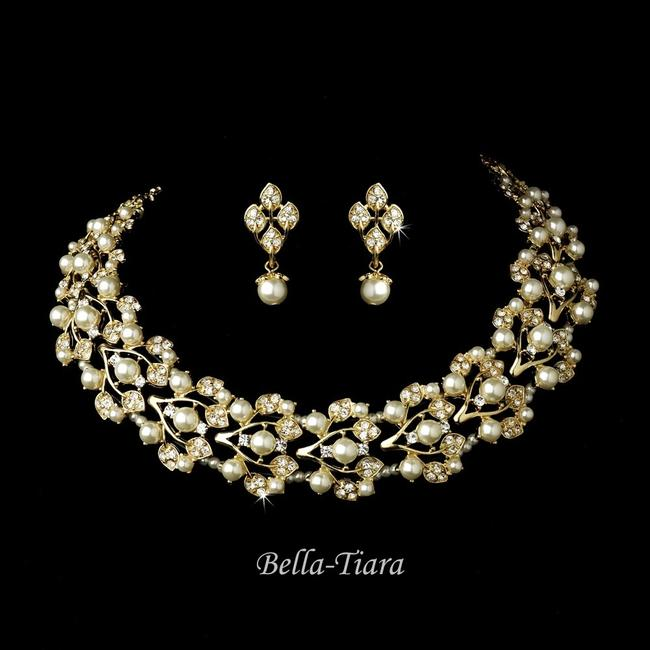 Item - Gold Ivory Pearl Special - Vintage Choker Necklace with Bracelet 3pc - Special Jewelry Set