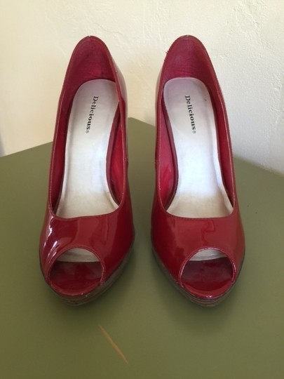 Delicious Patent Leather red Pumps Image 2
