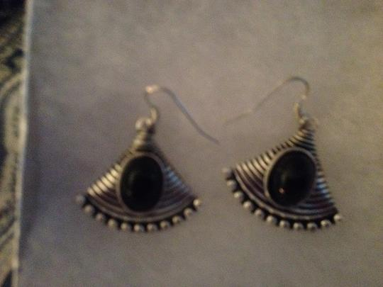 Penny's Jewelry Black Onyx And Silver Filled Dangle Fan-Looking Earrings. Approx. 1.5 inch dangle. These are glamorous on the ears!