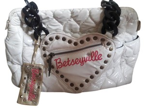 Betsey Johnson Hearts Quilted Betseyville Satchel in White