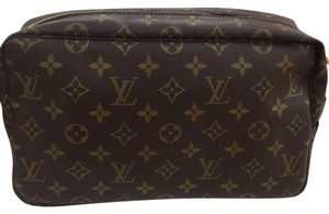 Louis Vuitton Louis Vuitton Cosmetic Pouch GM in Monogram