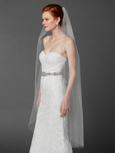 Mariell Ballet Or Semi Waltz One Layer White Cut Edge Bridal Veil 4433v-52-w