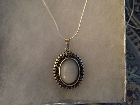 """PENNY'S JEWELRY Sterling Silver 18"""" Snake Necklace with a Silver Filled White Agate Necklace. 2.2 gms."""