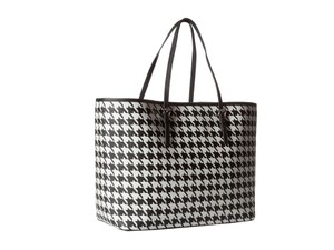 Michael Kors Jet Set Tote in Black/white