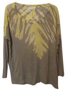 Vince Camuto Batwing Knit Tee Top Taupe & yellow