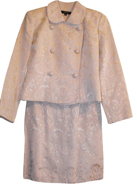 Item - Ivory with Gold Design Skirt Suit Size 4 (S)
