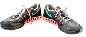 Nike Running Zoom Structure 18 Size 8.5 multicolored Athletic