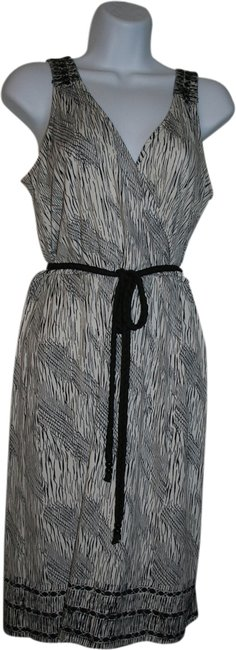 Preload https://item2.tradesy.com/images/new-york-and-company-above-knee-short-casual-dress-size-2-xs-1945931-0-0.jpg?width=400&height=650