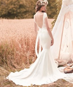 Paloma Blanca Paloma Blanca #2061 Wedding Dress