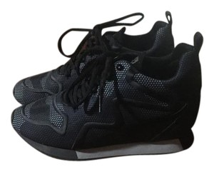 Ash Black/navy camo Athletic