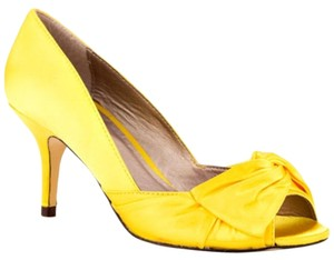 Luichiny Bridesmaid Wedding Bride Canary Yellow Pumps