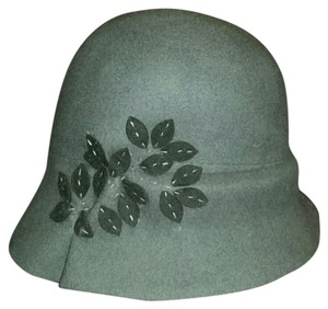 Giovannio New York Gray Wool Cloche with Leaf Details