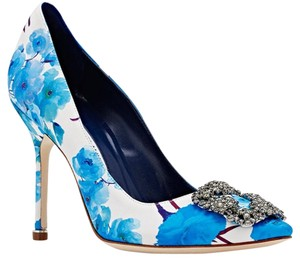 Manolo Blahnik Hangisi Blue Pumps