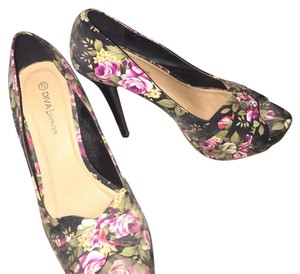 Diva Lounge Black with floral print Platforms