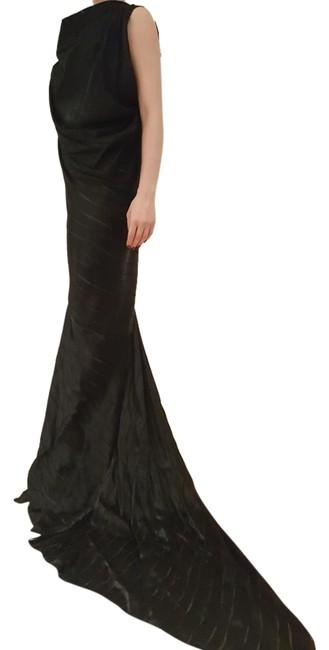 Item - Black Silk Blend Gown. Draped Cowl Neck and A Flared Skirt. Long Formal Dress Size 8 (M)