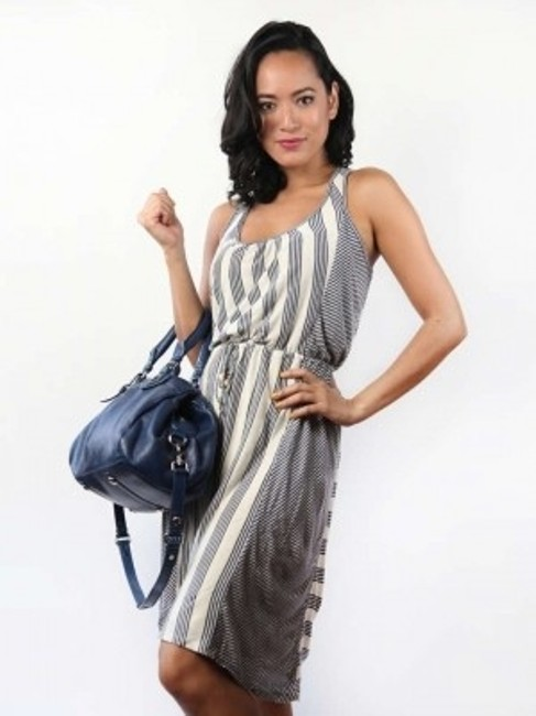 Preload https://item5.tradesy.com/images/ella-moss-grey-and-white-above-knee-short-casual-dress-size-0-xs-194634-0-0.jpg?width=400&height=650