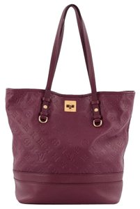 Louis Vuitton Leather Tote in Purple
