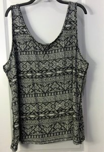 Forever 21 Top Black & White Pattern 3x