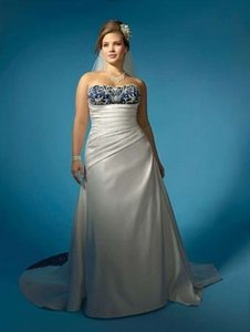 Alfred Angelo Ivory/Navy Satin 2132 Formal Wedding Dress Size 26 (Plus 3x)