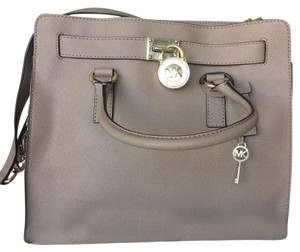 MICHAEL Michael Kors Satchel in Camel