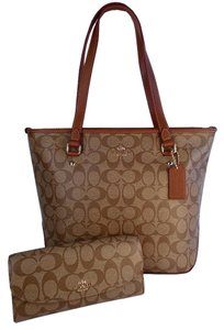 Coach Top Zip Slim Wallet Signature Khaki Tote in Khaki Saddle