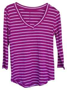 Banana Republic T Shirt Fucsia and white