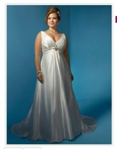 Alfred Angelo Ivory/Sapphire Charmeuse 838 Formal Wedding Dress Size 20 (Plus 1x)