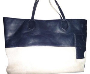 Tory Burch Tote in Navy and Cream