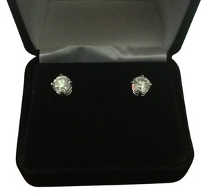Kay Jewelers Brilliant Round Cut White Diamond Earrings/