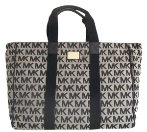 Michael Kors Large Signature Beige/Black/Black Travel Bag